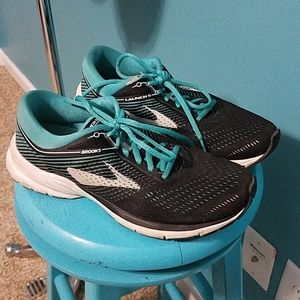 Gently used Brooks Launch 5 running shoes